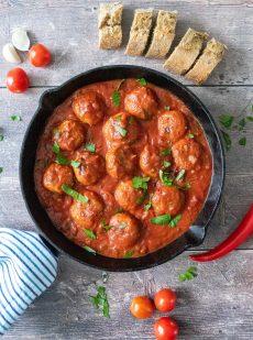 Albondigas - Spaanse gehaktballetjes in pittige tomatensaus