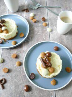 Witte chocolade cheesecake met kruidnoten