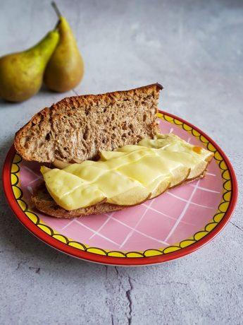 Broodje gebakken peer